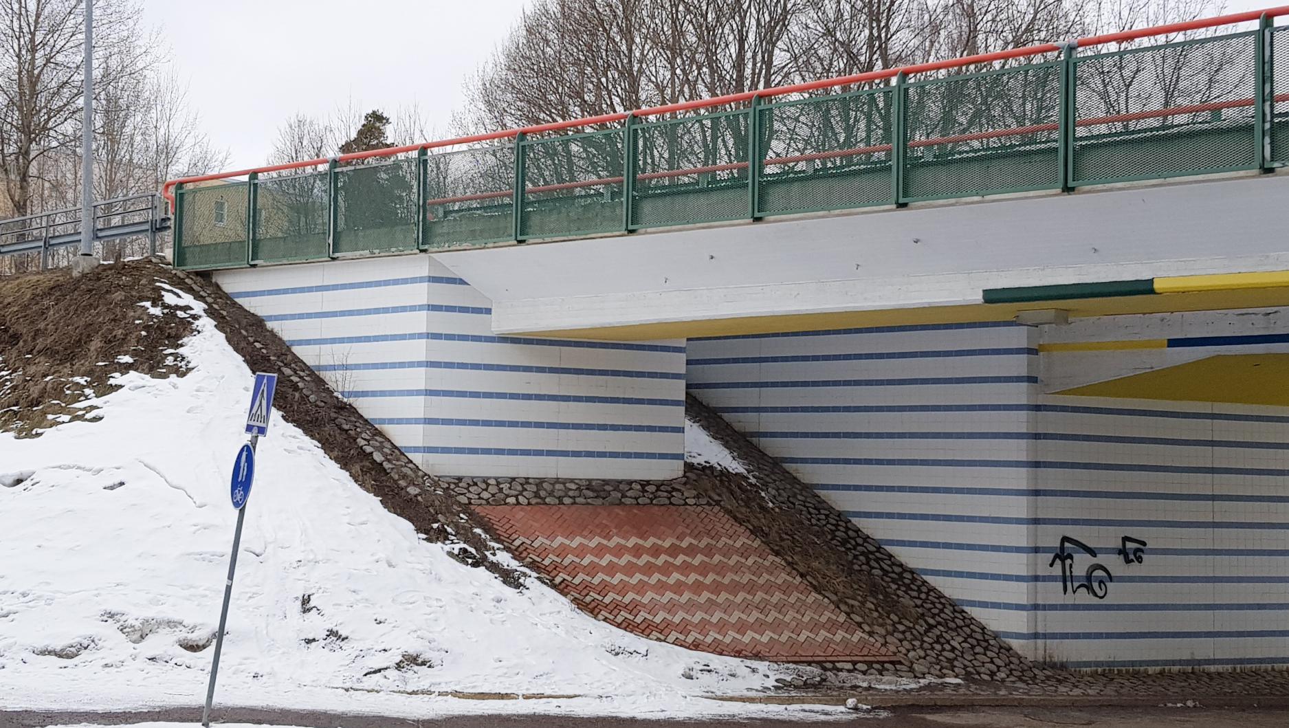 Oulunkylässä Jokeri-bussin käyttämän sillan yksityiskohdat