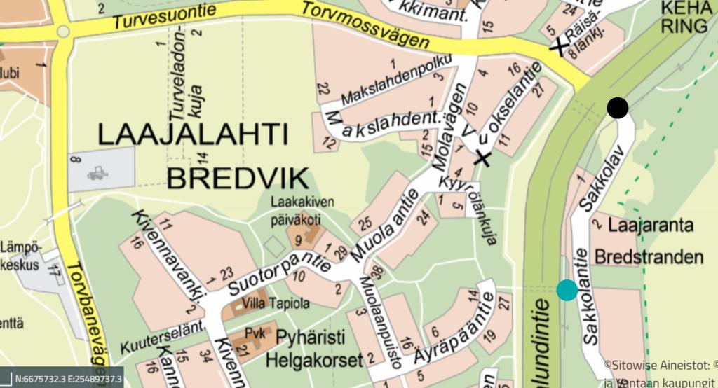 Karttaan on merkitty Lahdenpohjan pysäkin uusi sijainti mustalla ja aiempi sinivihreällä pallolla.