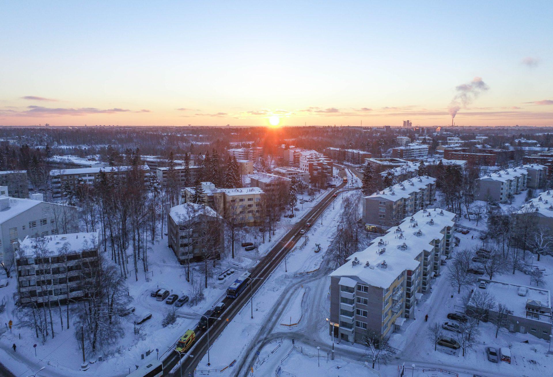 Luminen Pakilantie ilmakuvassa tammikuussa 2021.